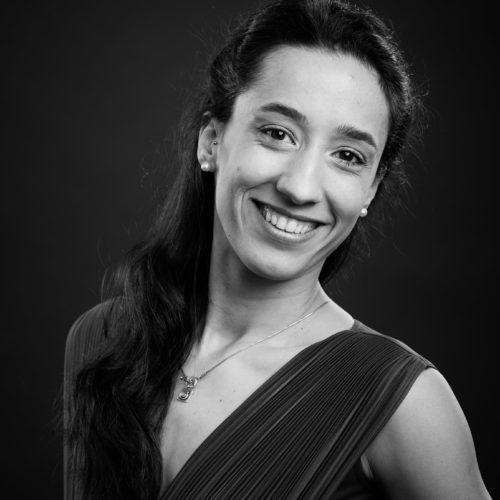 Maria Bastos (MB)